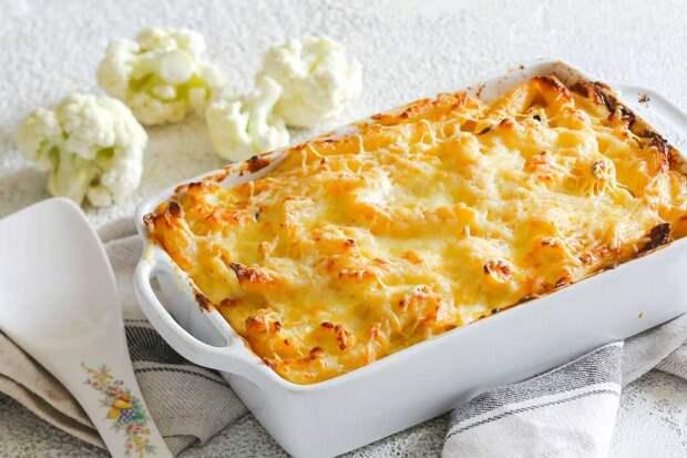 Капустная запеканка с сыром и колбасой