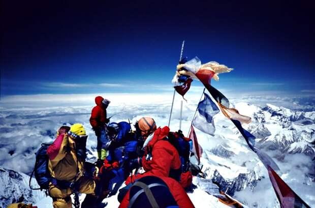 На Эвересте Интернет лучше, чем в некоторых странах. /Фото: vokrugsveta.ru