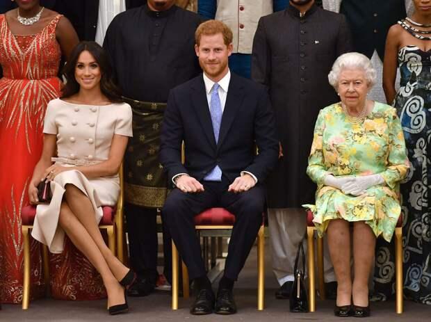 Меган Маркл и принц Гарри выпустят книгу о разрыве с королевской семьей