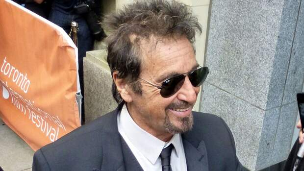 """Родственница убитого Маурицио Гуччи назвала Аль Пачино """"уродливым"""""""