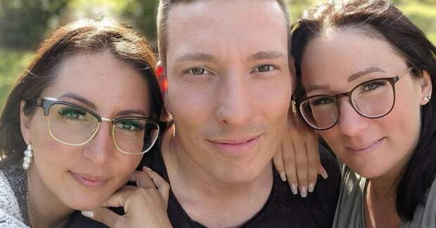 Отец двоих дочерей собирается жениться на двух женщинах, и его жена не против