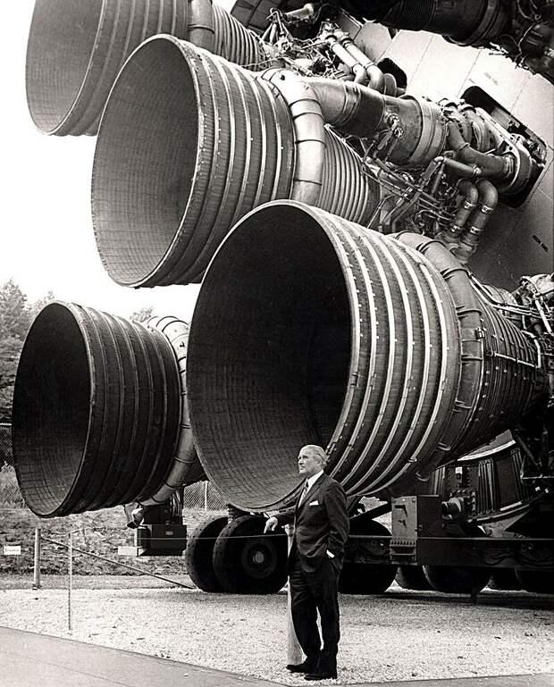 """О, этот таинственный Сатурн-5! """"Лунная афера"""" как она есть"""