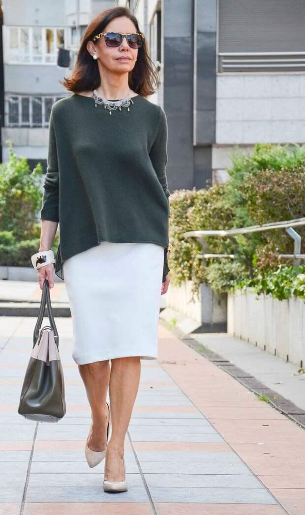 С чем красиво носить юбки женщине 50+