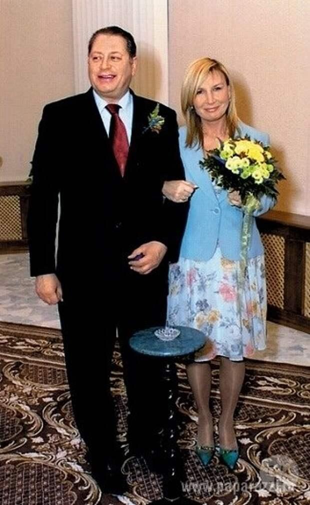 """Валентин Смирнитский с четвертой женой Лидией (фото: """"paparazzi.ru"""")"""