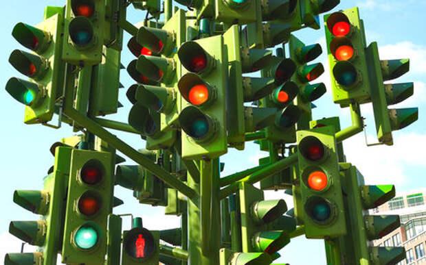 Новый эксперимент над водителями: вы не узнаете светофоры и перекрестки!