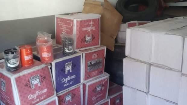Чай под градусом: Сотрудники ФСБ задержали фуру с 7 тоннами спирта