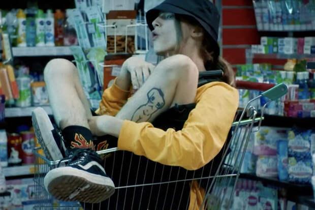 Юный сын рэпера Кирилла Толмацкого выпустил дебютный клип