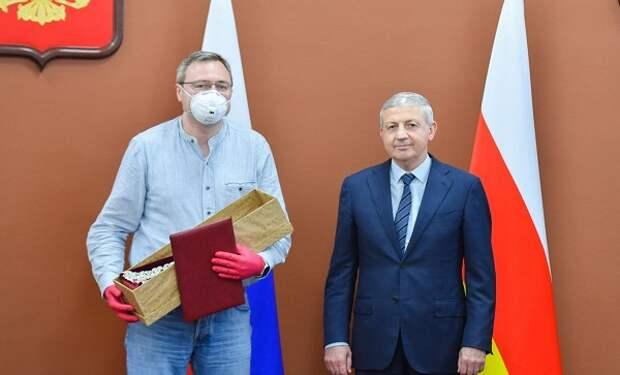 Врач из Хорошево-Мневников получил благодарность от главы Северной Осетии за помощь в борьбе с коронавирусом