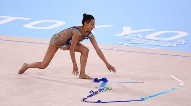 Израильская гимнастка вспомнила, как россиянка роняла мяч