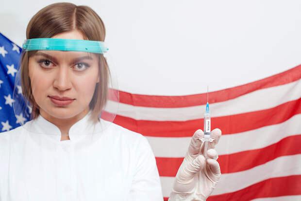 Американцам раздадут пиво за прививки от коронавируса