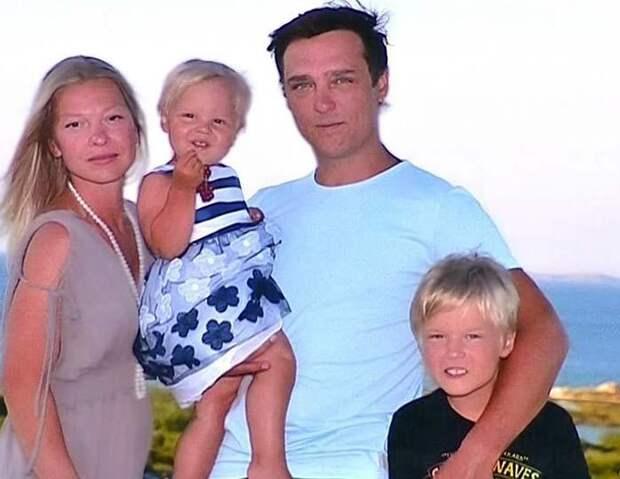 Как сейчас живет Юра Шатунов — долларовый миллионер и идеальный муж
