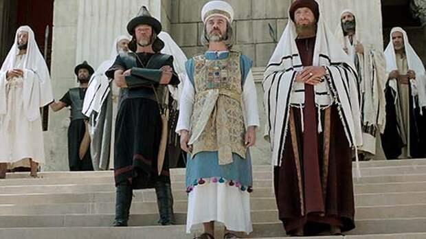 Библейская Книга Маккавеев против истории