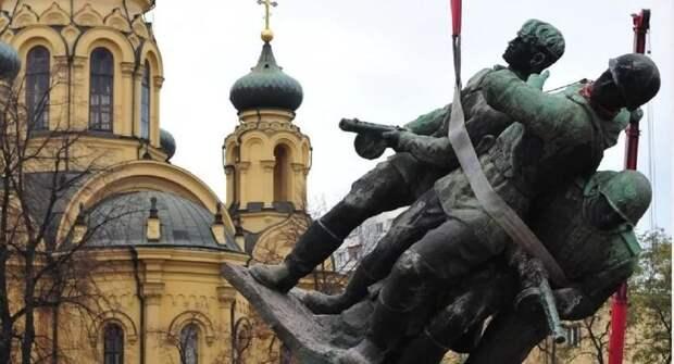 Ростислав Ищенко о сносе памятников в Польше: «Это не фашизм, а русофобия»