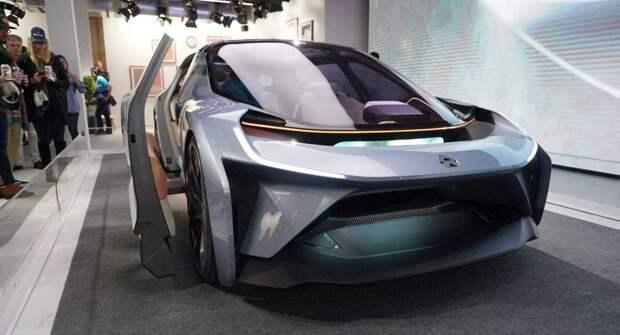 В Китае представили первый в мире автономный электрокар с системой LiDAR