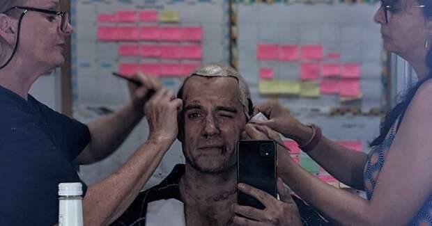 Генри Кавилл вернулся к роли Ведьмака и показал фото со съемок