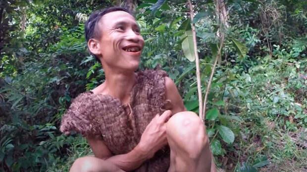 Выросший в джунглях мужчина узнал о существовании женщин в 41 год