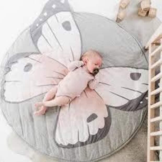 Малыш - бабочка