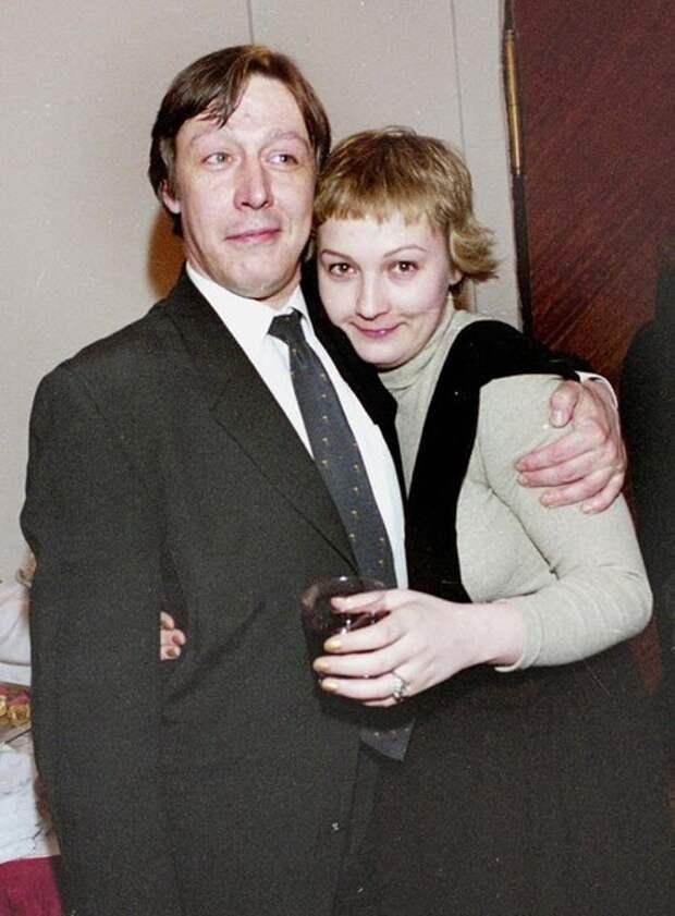 Четвертая жена Михаила Ефремова спивается в нищете, пока он сидит в тюрьме