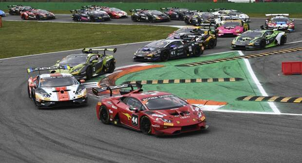 Победа и подиум: Дмитрий Гвазава успешно дебютировал в Lamborghini Super Trofeo Europe