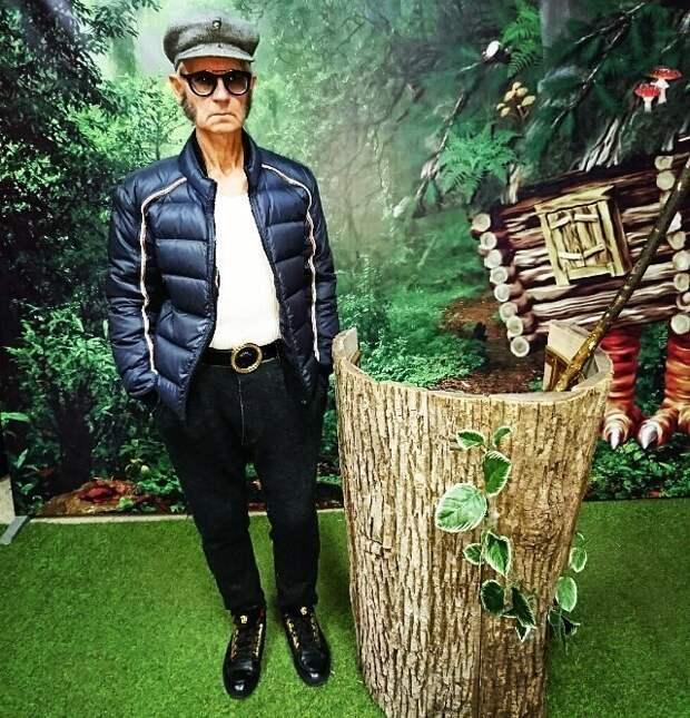 """Гламурный дед: хабаровский пенсионер превратил квартиру в """"замок"""", а себя — в """"итальянца"""" Стиль, в мире, дед, люди, мода, хабаровск"""