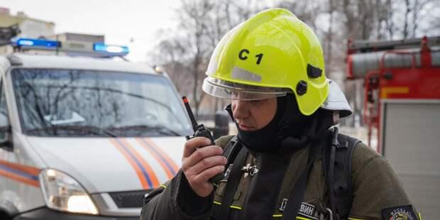 Московские спасатели поздравили ветеранов войны с 75-летием Победы