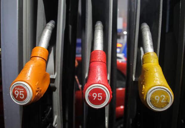 В Яндекс.Навигаторе теперь принимают оплату за бензин на АЗС