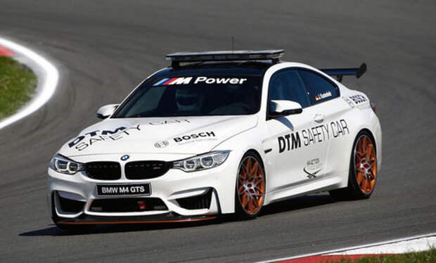 Одни выходные из жизни пейс-кара BMW M4 GTS и его пилота
