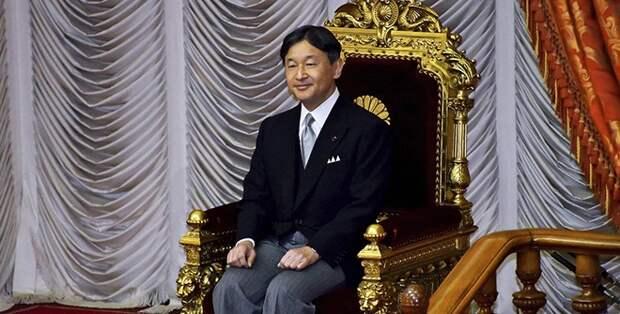 Новый император Японии Нарухито взошел на престол