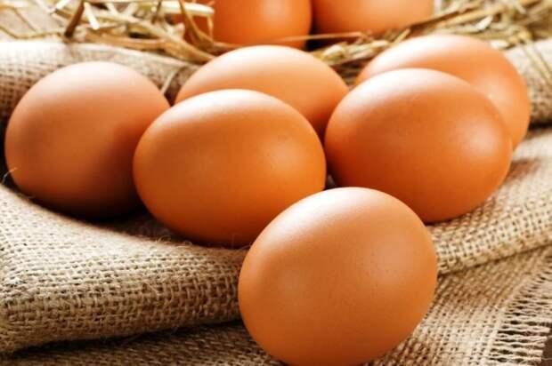 Кресты на куриных яйцах