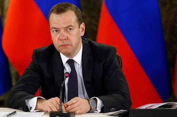 Правительство Медведева выделяет 26 млн рублей на закупку детских незарегистрированных лекарств в РФ