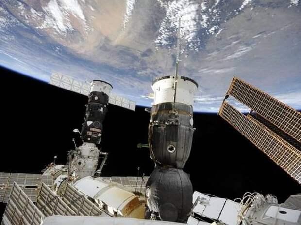 Отстыковка корабля Crew Dragon от МКС перенесена