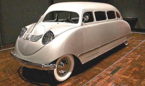 Scarab в Музее декоративного искусства в Нэшвилле среди пяти лучших автомобилей мира. Фото 2013 года авто, автодизайн, автомобили, дизайн, интересные автомобили, минивэн, ретро авто