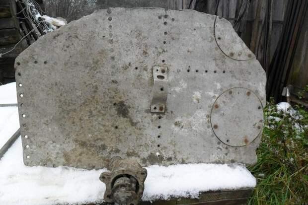Заслонка, сделанная из части самолета А-20. Фото предоставлено Дмитрием Киенко