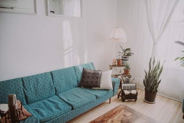Задымившийся диван в квартире дома на Ляпидевского потушили до приезда пожарных