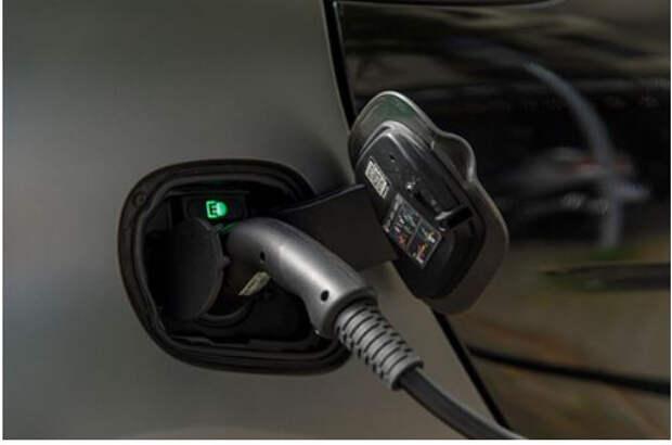 Европе пообещали проблемы из-за электромобилей