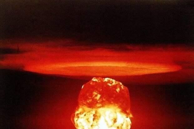 Назарбаев призвал Россию и США провести саммит по ядерному разоружению