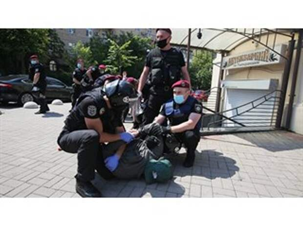 Украина: битва за улицу