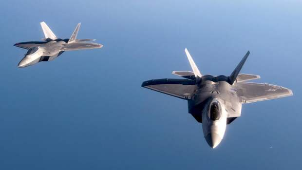 Американский истребитель пятого поколения F-22