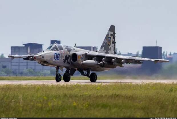 Украинский пилот едва не разбился во время взлета с аэродрома (ВИДЕО)