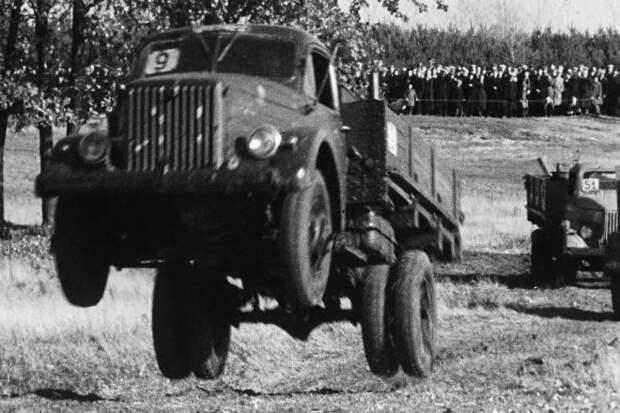Как в СССР испытывали грузовые авто