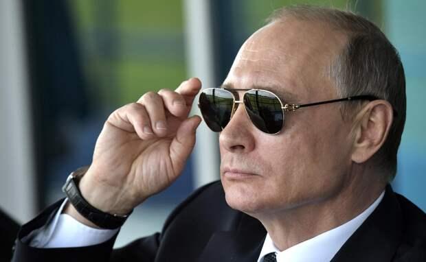 «Не смогут пошатнуть ситуацию в РФ»: Корнилов пояснил беспокойство США правлением Путина