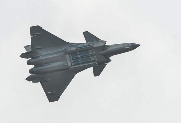 Газета НОАК опубликовала отчет савиационных учений, входе которых Chengdu J-20 сбил 17 самолетов вероятного противника