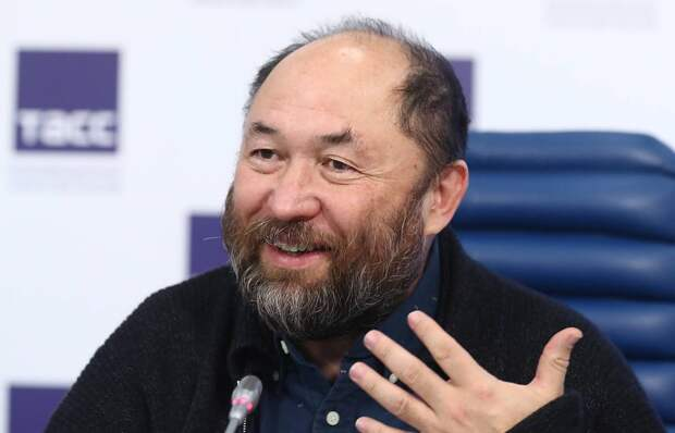 Тимур Бекмамбетов спродюсирует три скринлайфа в Болливуде