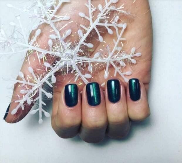 Завораживающая подборка фото-идей для декабрьского нейл-арта на каждый день