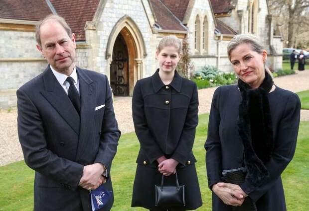 Опальный принц Эндрю впервые за долгое время появился на публике и рассказал о состоянии Елизаветы II