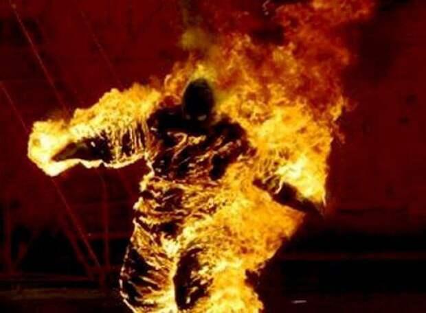В жилом доме Белогорска чуть заживо не сгорел мужчина