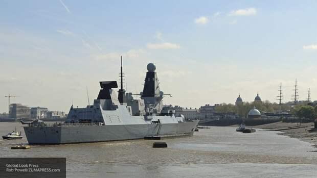 Во Франции высмеяли действия британского эсминца Defender