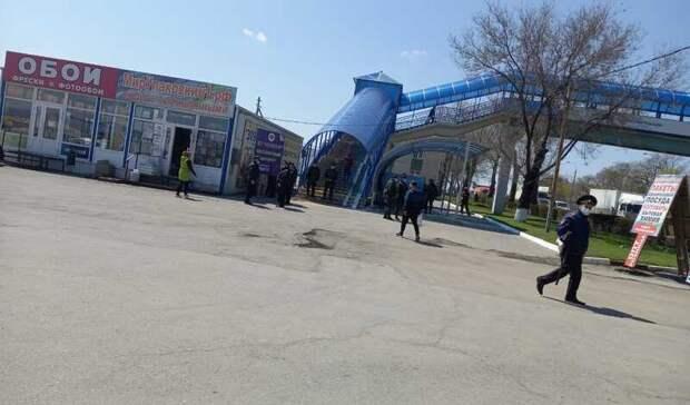 Больше 400 нелегалов задержали входе зачистки рынков Аксайского района