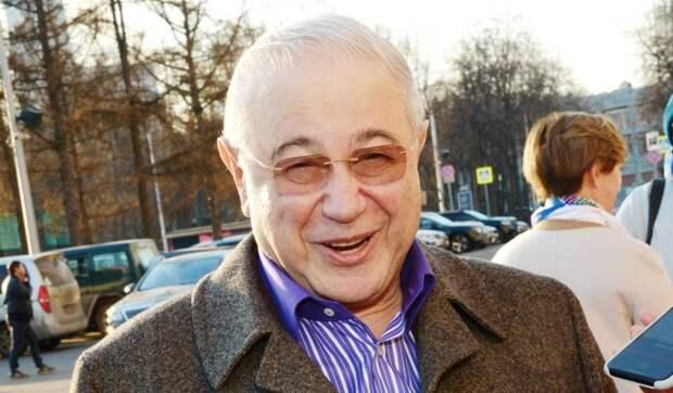 «Вдруг уведут?»: 75-летний Петросян прячет жену от молодых соперников
