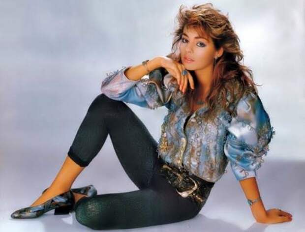 """Сандра. Певица стала знаменитой на весь мир после того, как в марте 1985 года появился ее первый хит """"Maria Magdalena"""". Он стал хитом №1, Сандру стали называть """"европейской Мадонной""""."""